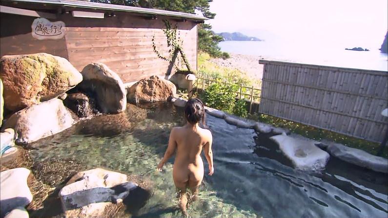 【温泉キャプ画像】何が起こるかわからない!美人なタレントさん達の入浴シーンww 06