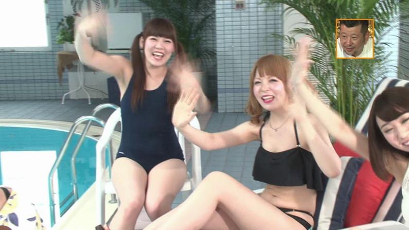 【お宝キャプ画像】バコバコプール開きとか言うコーナーで美女達が水着姿で色々やらされてるぞw