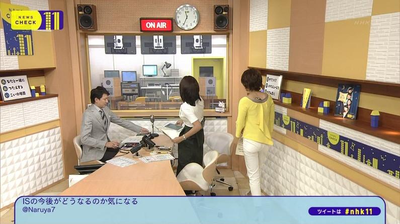 【お尻キャプ画像】ぷっりぷりのピタパンお尻がテレビに映ってるぞw 11