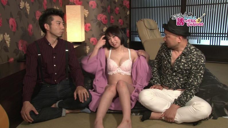 【お宝エロ画像】ケンコバのバコバコTVで美女達の生着替え!あわや乳首ポロリか!?w 28