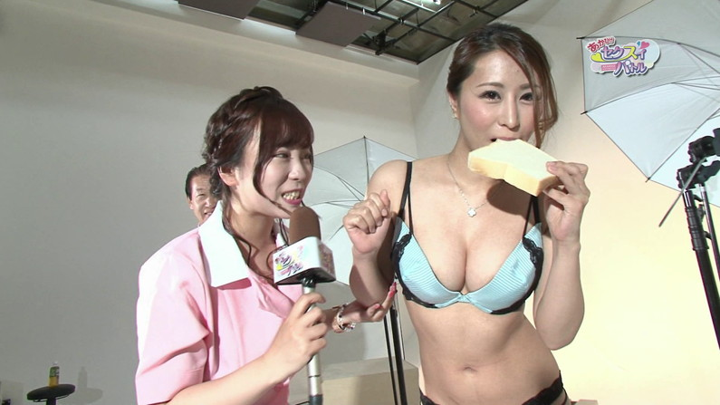 【お宝エロ画像】ケンコバのバコバコTVで美女達の生着替え!あわや乳首ポロリか!?w 47