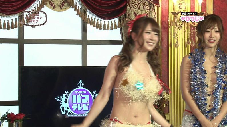 【お宝エロ画像】ケンコバのバコバコTVで美女達の生着替え!あわや乳首ポロリか!?w 69
