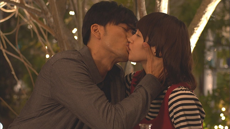 【キステレビキャプ画像】美人タレントのキスシーンやキス顔見るとなんか照れてくるなw 11