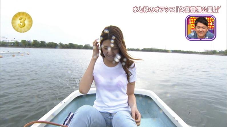 【透けブラキャプ画像】テレビなのに思いっきりブラジャー透けてる衣装着てるタレント達w