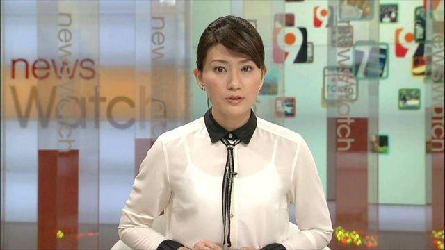 【透けブラキャプ画像】テレビなのに思いっきりブラジャー透けてる衣装着てるタレント達w 07