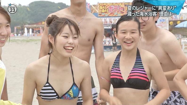 【水着キャプ画像】今年もエロい水着着た素人美女が映りまくりww 17