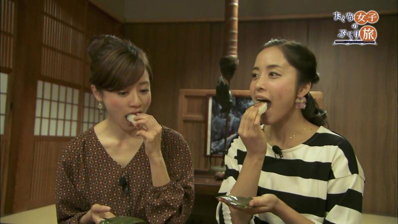 【疑似フェラキャプ画像】どうしても卑猥な目で見てしまうタレント達の食レポw 08