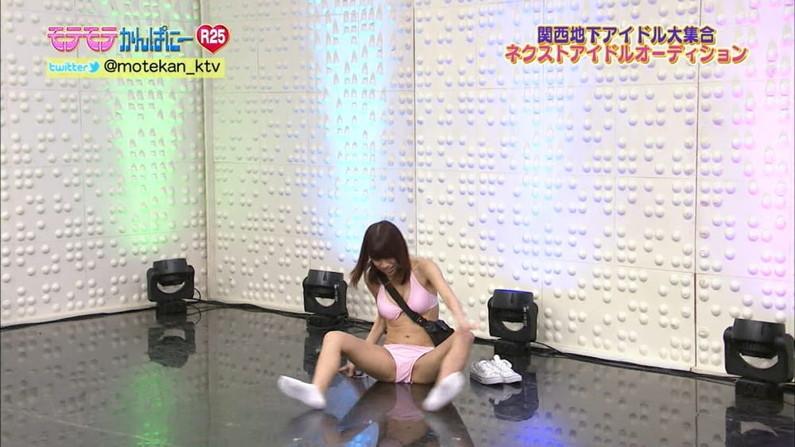 【ハミマンキャプ画像】カメラの前なのに思いっきりお股広げちゃう美女達w 09