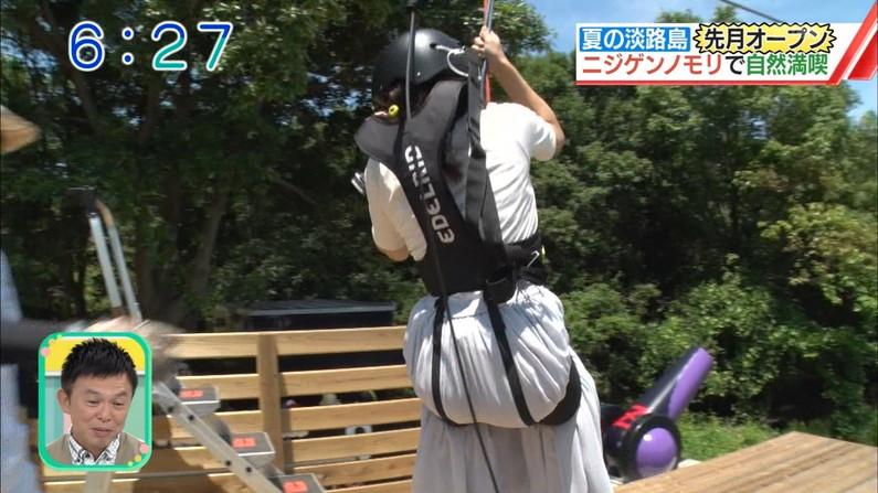 【お尻キャプ画像】タレント達がピタパン履いてヒップライン強調し過ぎw