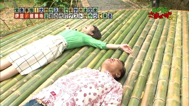 【脇汗キャプ画像】染みになっちゃうほど大量の脇汗かいちゃってるタレント達w 09