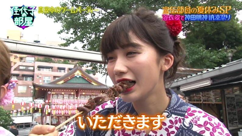【疑似フェラキャプ画像】エロい顔しながら大きな口空けて食レポしてるけど疑似フェラにしか見えんw