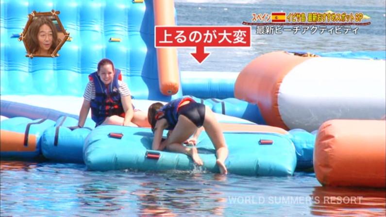 【お尻キャプ画像】テレビで美女の水着からお尻が思いっきりハミ尻してるんだけどww 20