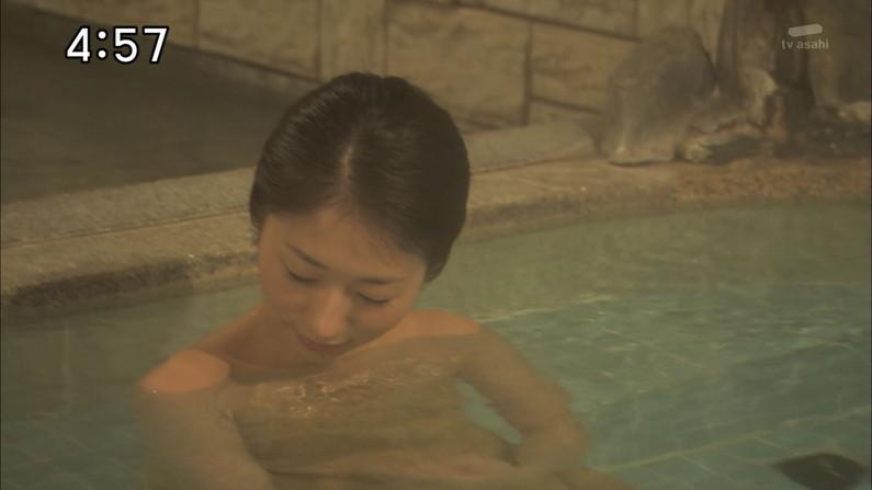 【温泉キャプ画像】タレント達のオッパイはみ出す温泉レポww 03