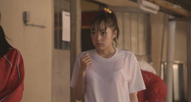 【透けブラキャプ画像】女子アナ達が薄いシャツ着てるもんだから思いっきりブラジャー透けまくってるじゃねーかw 06