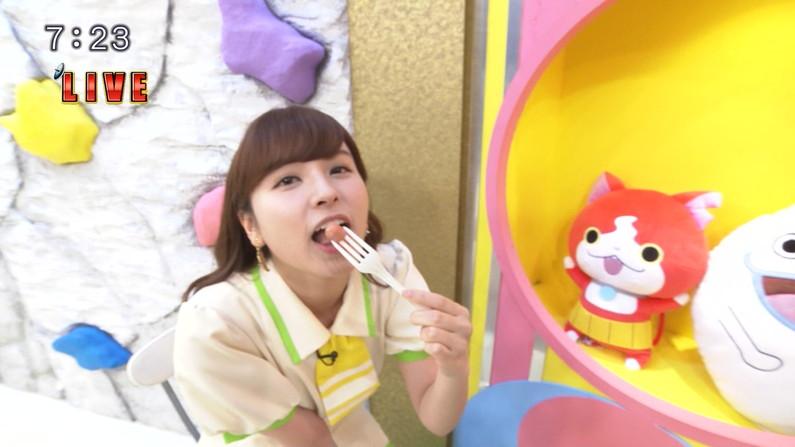 【疑似フェラキャプ画像】食レポするとどうしてもフェラ顔になっちゃうタレント達w 01