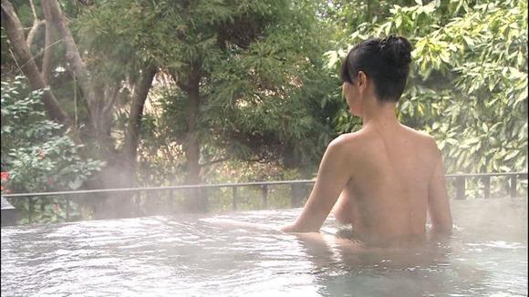 【温泉キャプ画像】美女達の入浴シーンが見れる温泉レポがエロすぎww 20