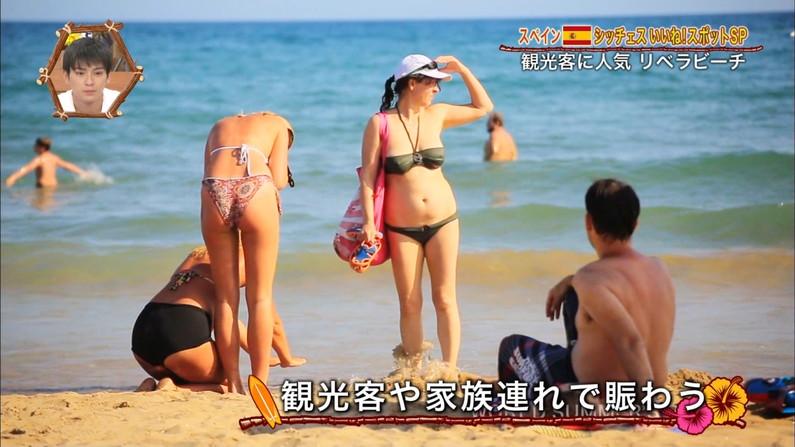 【お尻キャプ画像】水着姿のタレント達がハミ尻しまくりでエロすぎるw 04