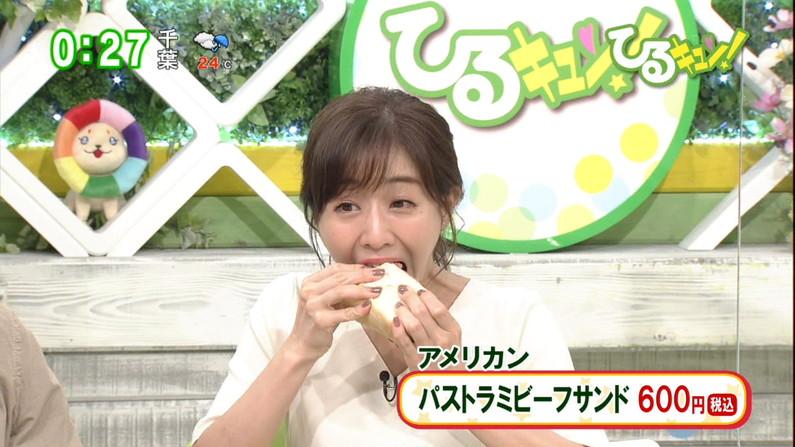 【疑似フェラキャプ画像】フェラの練習ですか?と言いたくなるほどエロい顔して食レポするタレント達w 13