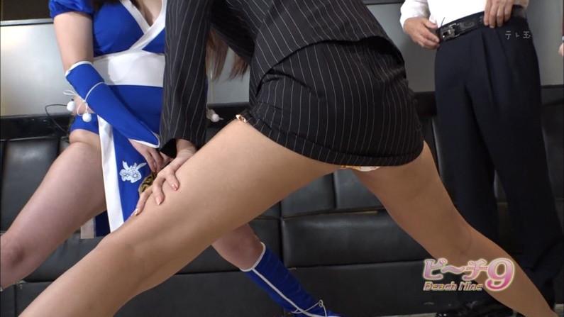 【太ももキャプ画像】テレビに映るムチムチの太ももがエロい美脚なタレント達w 01