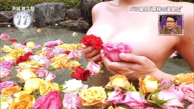【温泉キャプ画像】こんな巨乳タレントと一緒に混浴したら絶対勃起する自信ありますw 10