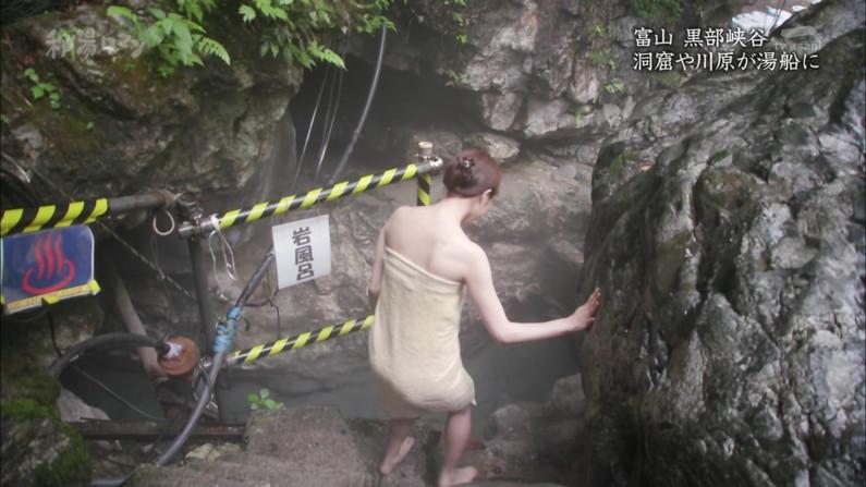 【温泉キャプ画像】こんな巨乳タレントと一緒に混浴したら絶対勃起する自信ありますw 13