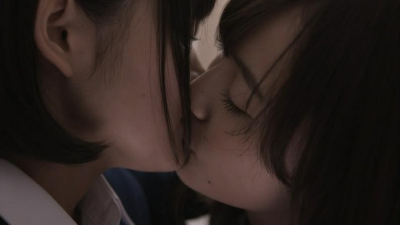 【キスキャプ画像】見てるこっちまでドキドキしちゃうキスシーンやキス顔w 12