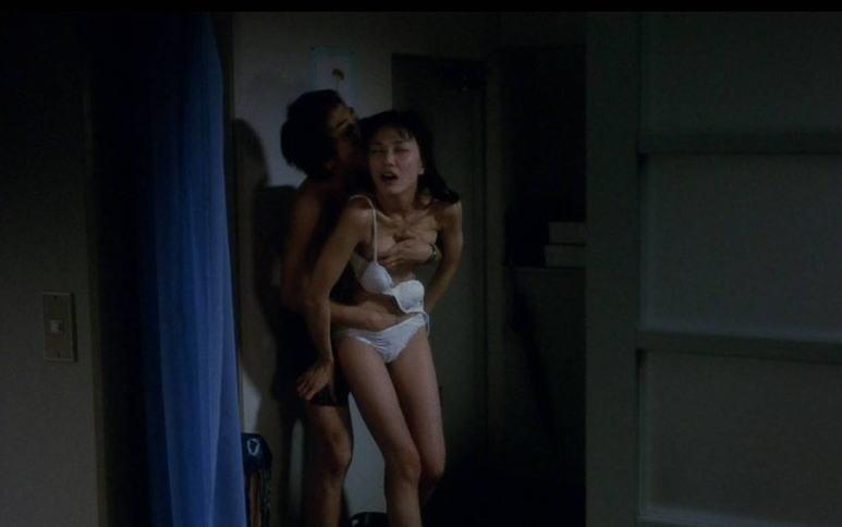 【蒸れ馬キャプ画像】濡れ場やベッドシーンで見せた乳首の綺麗な女優たちww 24