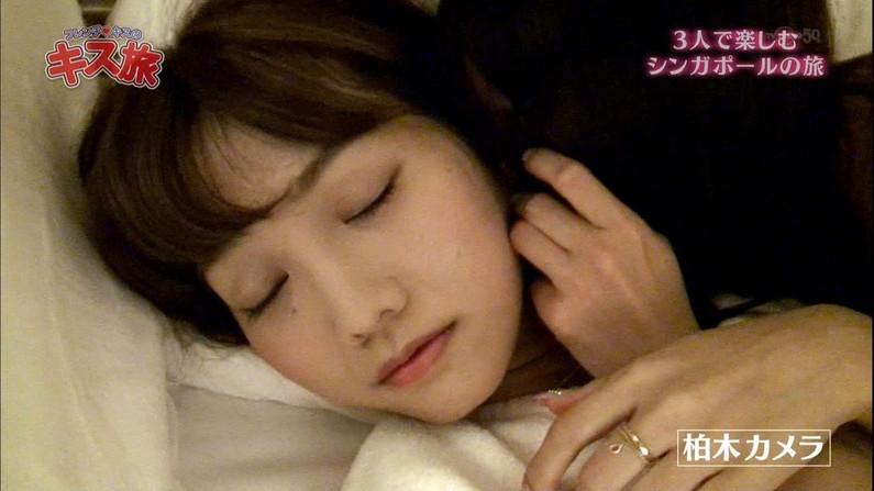 【寝顔キャプ画像】思わず添い寝でもしたくなるようなアイドル達の可愛い寝顔ww 11