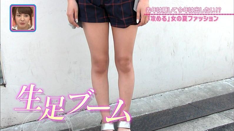 【太ももキャプ画像】やっぱりタレントさんの脚っていつ見ても綺麗だしムチムチでエロいよなw 24