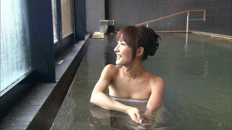 【温泉キャプ画像】美人タレントが入浴してる所見てるだけでもムラムラしてこないか?w 04