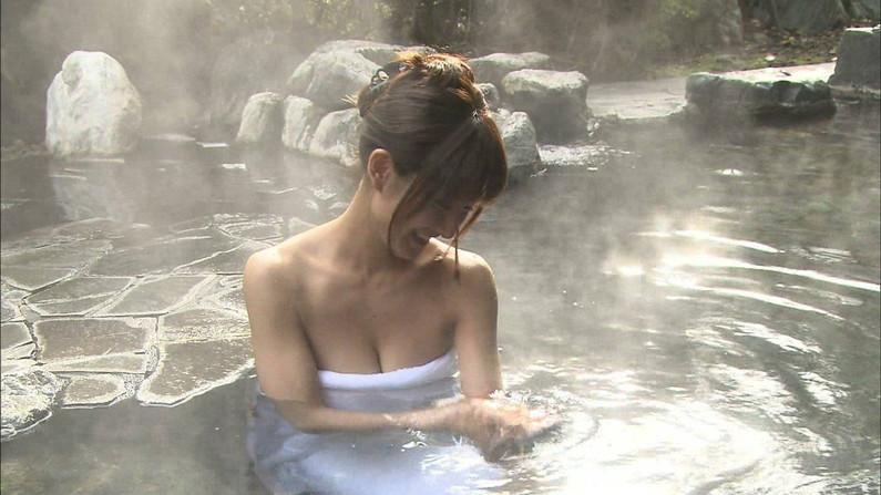 【温泉キャプ画像】美人タレントが入浴してる所見てるだけでもムラムラしてこないか?w 05
