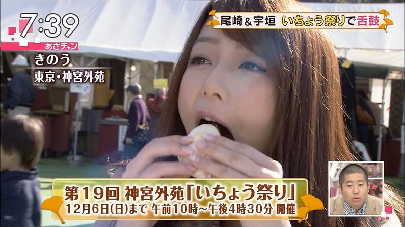 【疑似フェラキャプ画像】食べてるものがチ〇コに見えてきちゃうタレント達の食レポw 08