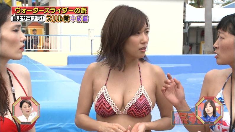 【水着キャプ画像】水着でテレビに映るタレント達って必ずエロ路線いかされてるよなw 11