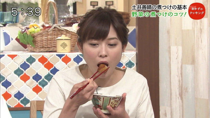 【疑似フェラキャプ画像】フェラしてる時の顔にそっくりな顔して食レポする女子アナ達w 05