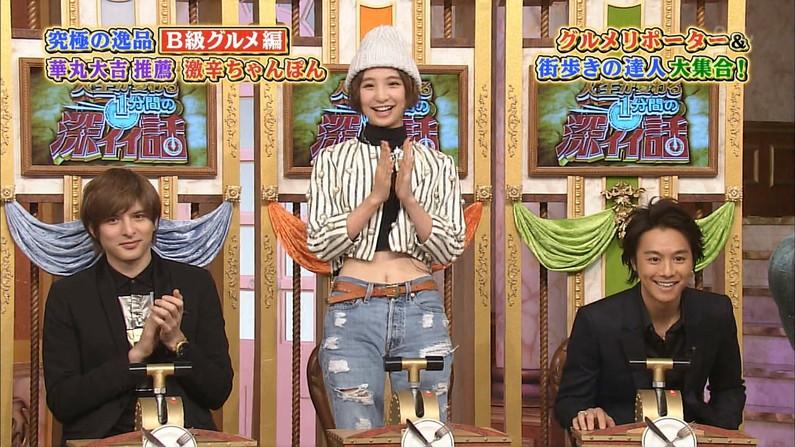 【へそキャプ画像】エロいくびれボディーと可愛いおへそを披露するタレント達w 18