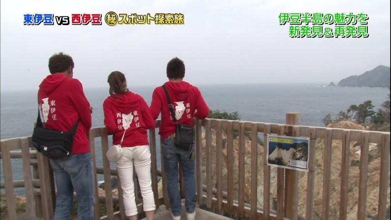 【お尻キャプ画像】ピタパン履いたタレント達がパンツラインまで見えちゃってるw
