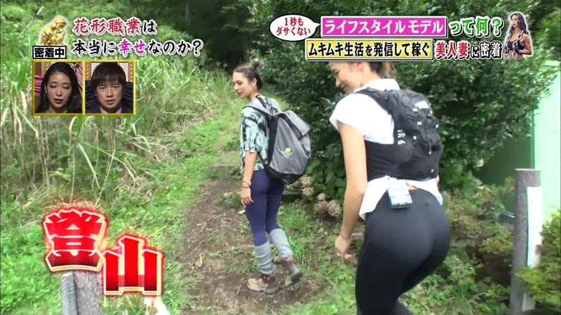 【お尻キャプ画像】ピタパン履いたタレント達がパンツラインまで見えちゃってるw 05