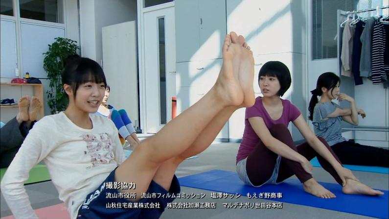 【足裏キャプ画像】美人タレントの足の裏っていったいどんな匂いするんだろうな?ww 11
