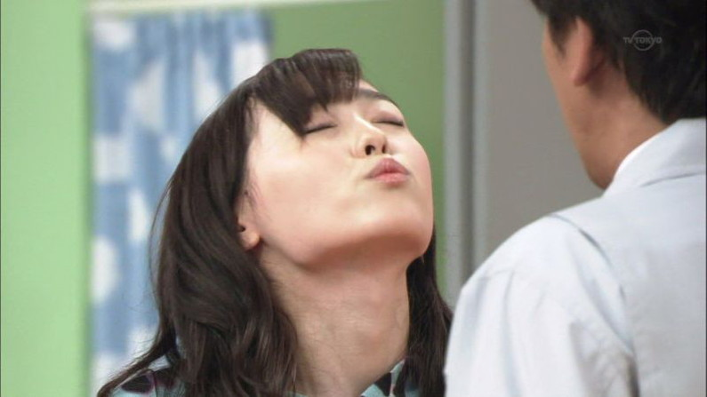 【キスキャプ画像】こんな可愛い顔でキス迫られたらタマランでしょww 16