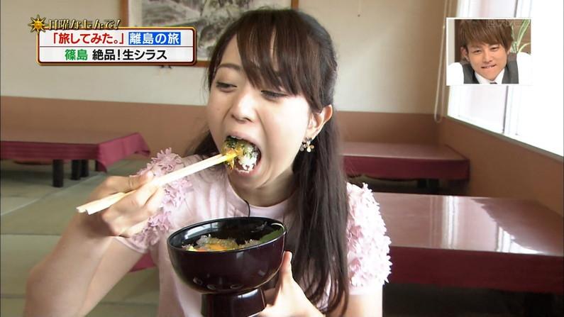【疑似フェラキャプ画像】狙ってなのかやたらエロい顔して食レポするタレント達w 12