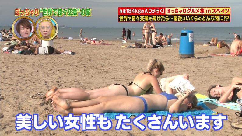 【お尻キャプ画像】タレント達の水着が食い込んでるお尻って最高だよなw 11