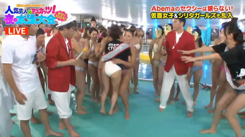 【お尻キャプ画像】タレント達の水着が食い込んでるお尻って最高だよなw 20