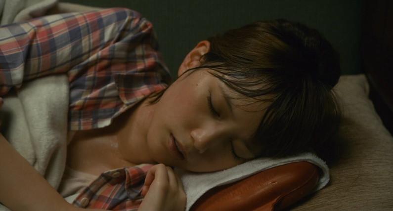 【寝顔キャプ画像】こんな美女達の無防備な寝顔見てるとムラムラしてこないか?w 12