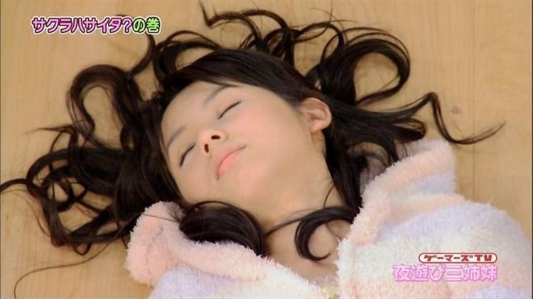 【寝顔キャプ画像】こんな美女達の無防備な寝顔見てるとムラムラしてこないか?w 13