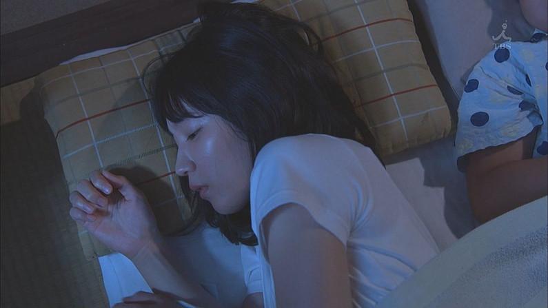 【寝顔キャプ画像】こんな美女達の無防備な寝顔見てるとムラムラしてこないか?w 22