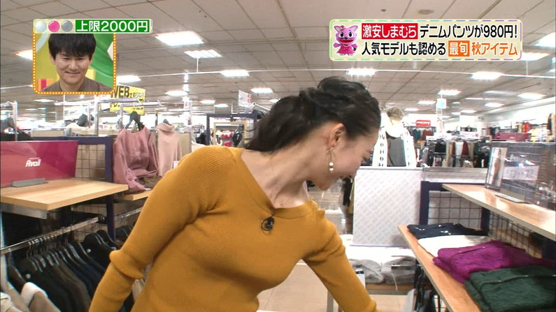 【着衣オッパイキャプ画像】ニットセーターで浮き彫りになったタレント達の大きなオッパイw 19