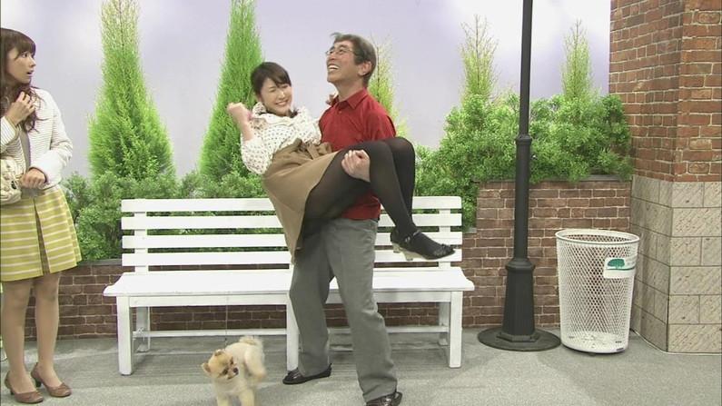 【太ももキャプ画像】タレント達のテレビで披露したムチムチとしたエロくて綺麗な太もも!! 05
