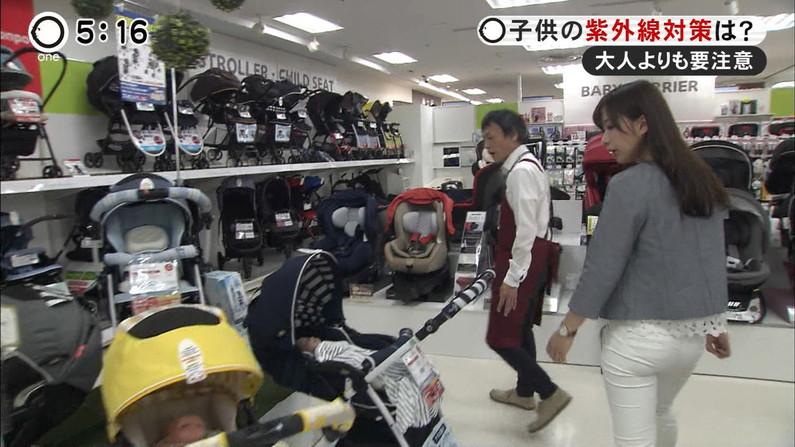 【お尻キャプ画像】パンツラインまでくっきり見えちゃってるタレント達のピタパンお尻w 14