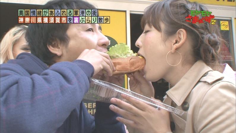 【疑似フェラキャプ画像】大口開けて食レポしてるタレントさん達の顔がフェラ顔そっくりw 03
