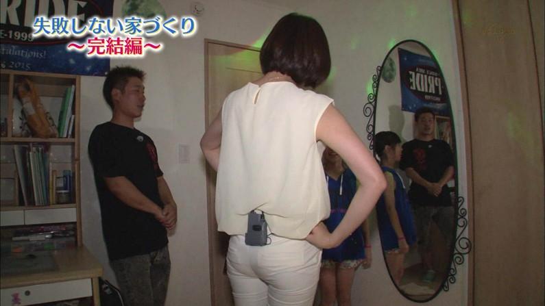 【お尻キャプ画像】ピッタリムチムチなピタパン履いたお尻汚タレント達w 15